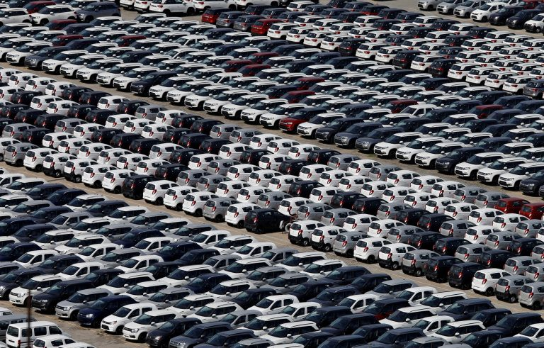 Retail inventories remain high despite automakers taking production cuts