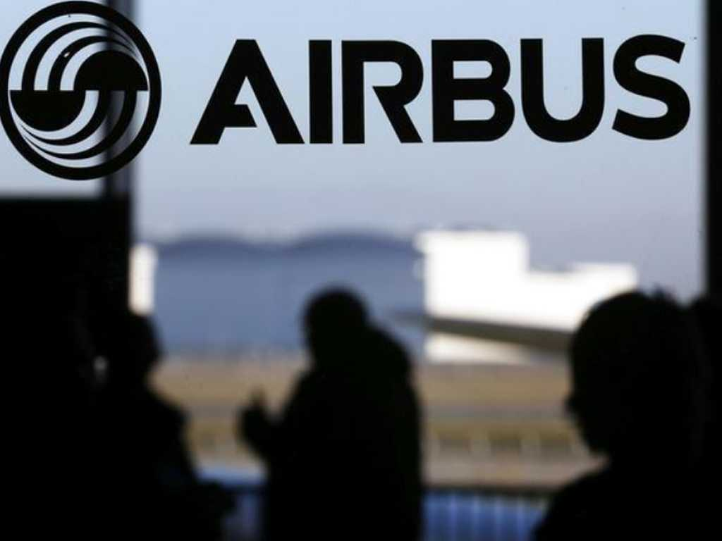 Airbus reshuffles supply chain as former autos exec leaves group