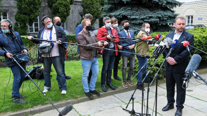 Polish health minister denies wrongdoing in mask procurement spat – EURACTIV.com