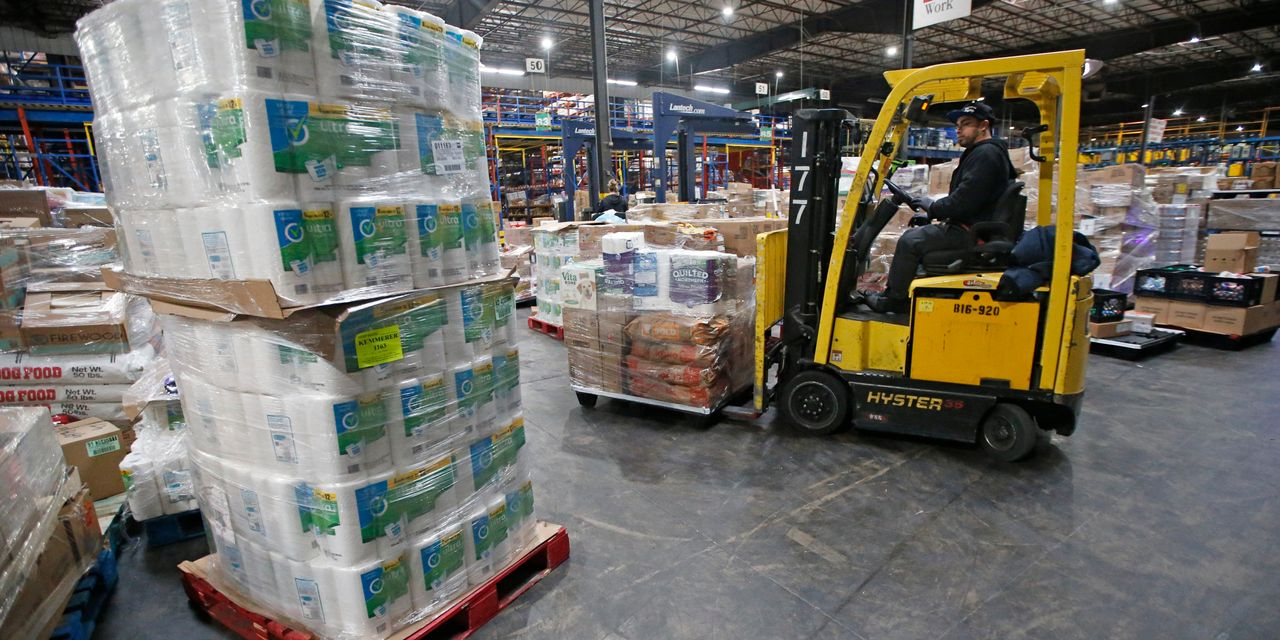 Grocers Stockpile, Build 'Pandemic Pallets' Ahead of Winter