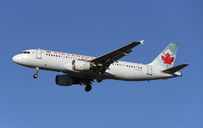 Air Canada seeks to address EU concerns on Transat purchase