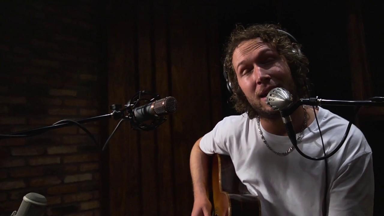 Logistics – Broken Light (feat. Thomas Oliver) [Official Acoustic Video]