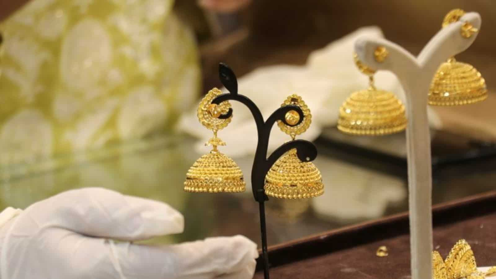 Government clarifies on KYC norms for jewellery purchase